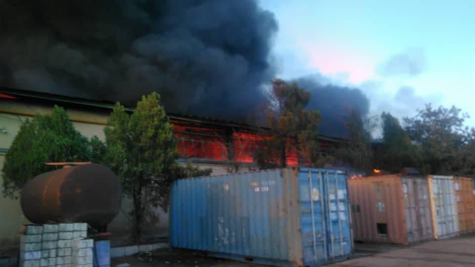 آتش سوزی بزرگ در آزادگان تهران