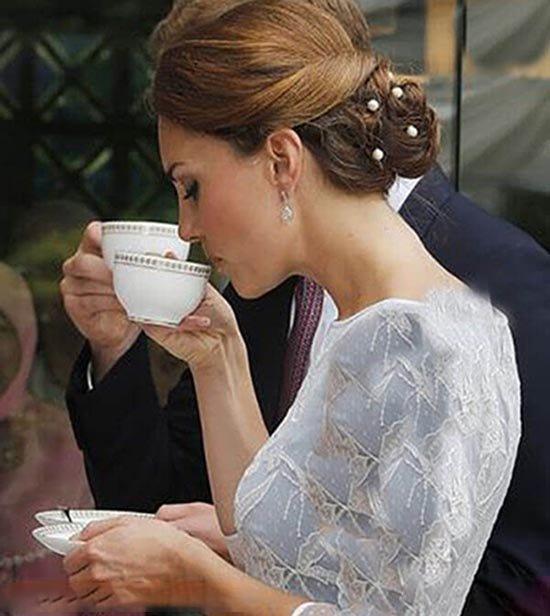 قوانین عروسهای دربار انگلیس