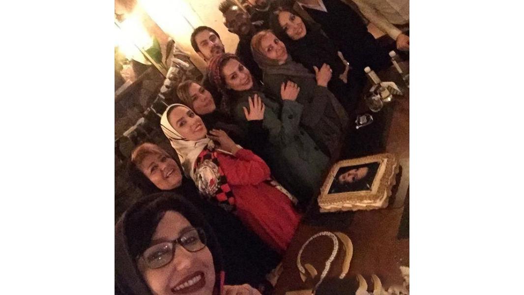 دورهمی بازیگران زن به همراه گادوین منشا در جشن تولد بهار ارجمند