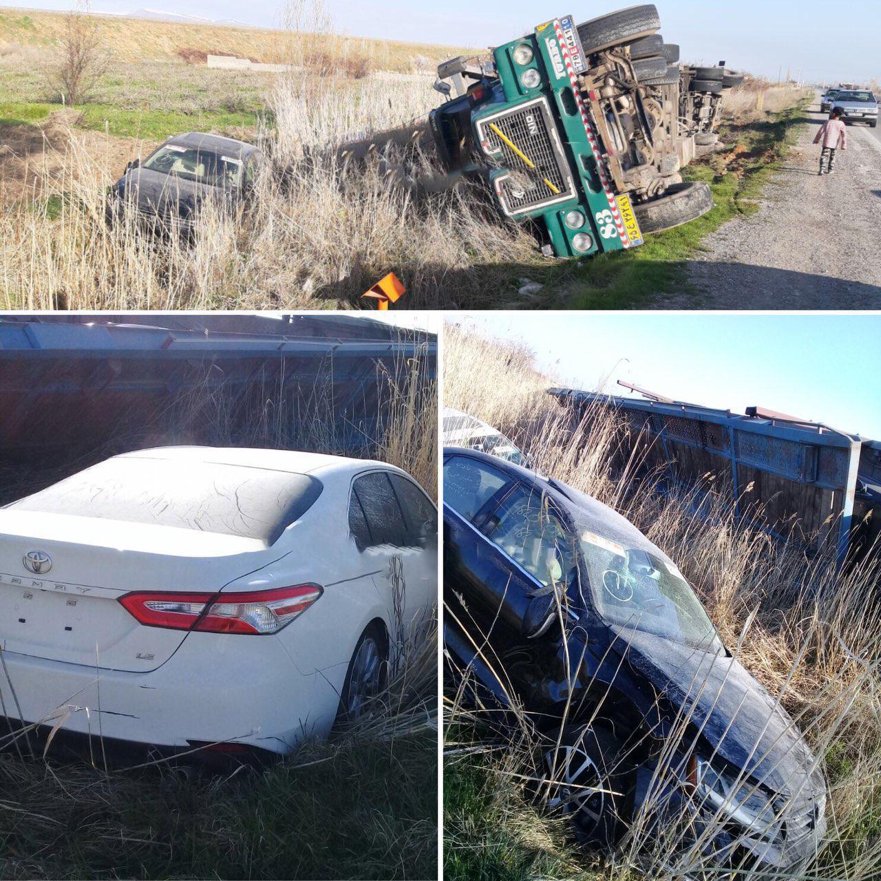 واژگونى کامیون حامل خودروهاى لوکس خارجى در جاده ارومیه مهاباد