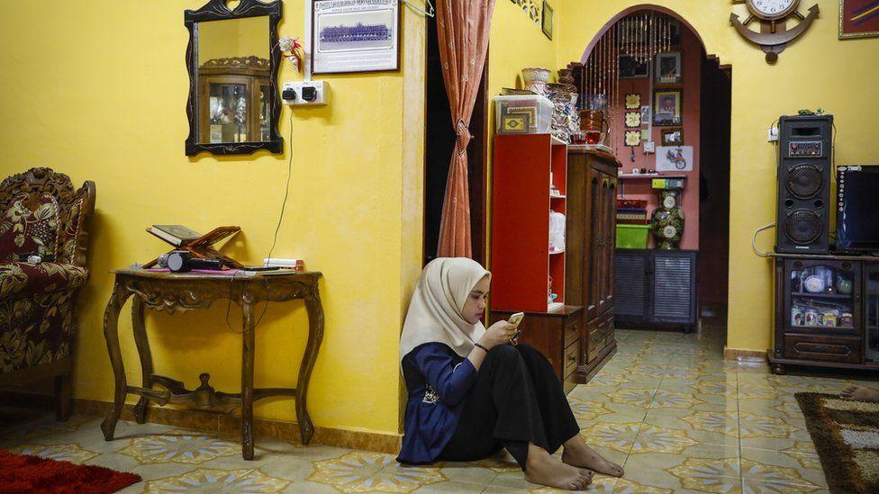 جیغ دختر مالزییایی