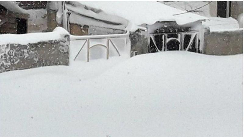 تصاویری عجیب اما واقعی از دفن شدن شهرستان خلخال در استان اردبیل در زیر برف