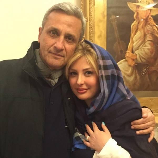 نیوشا ضیغمی در کنار پدرش