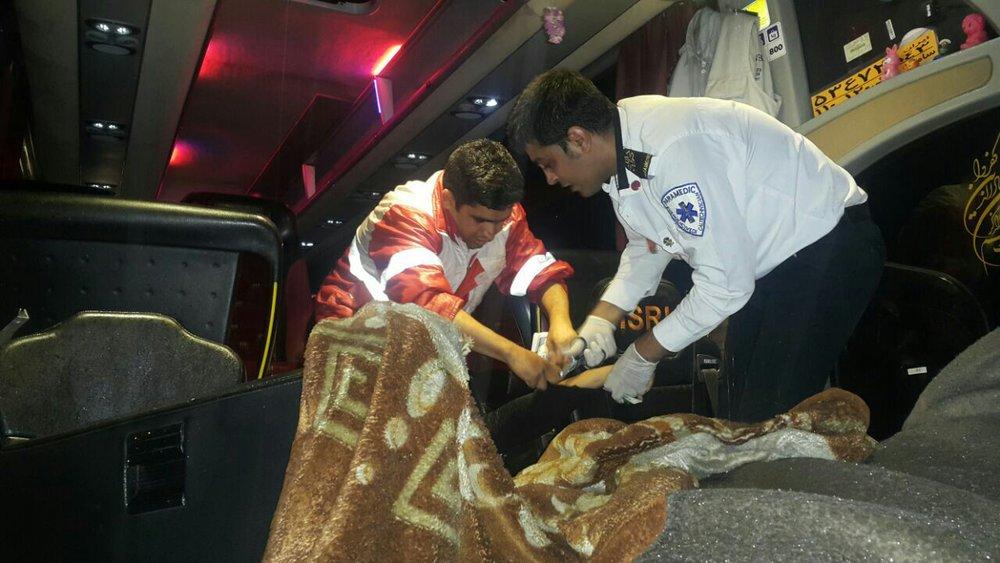 تصادف اتوبوس با تریلر ۷ مجروح برجا گذاشت/ قطع دست جوان ۲۳ ساله