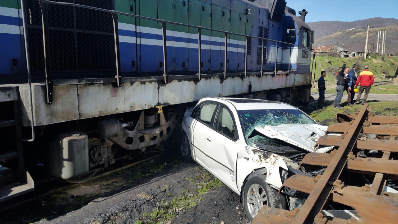 تصادف خودرو با قطار در
