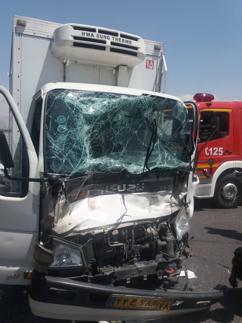 تصادف در آزادراه تهران