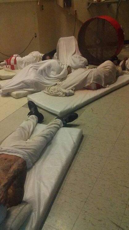 وضعیت عجیب زندانیان یک زندان