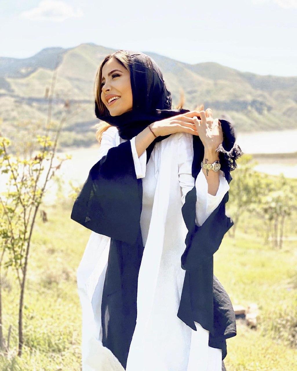 آیتک جاوید نژاد کشف حجاب