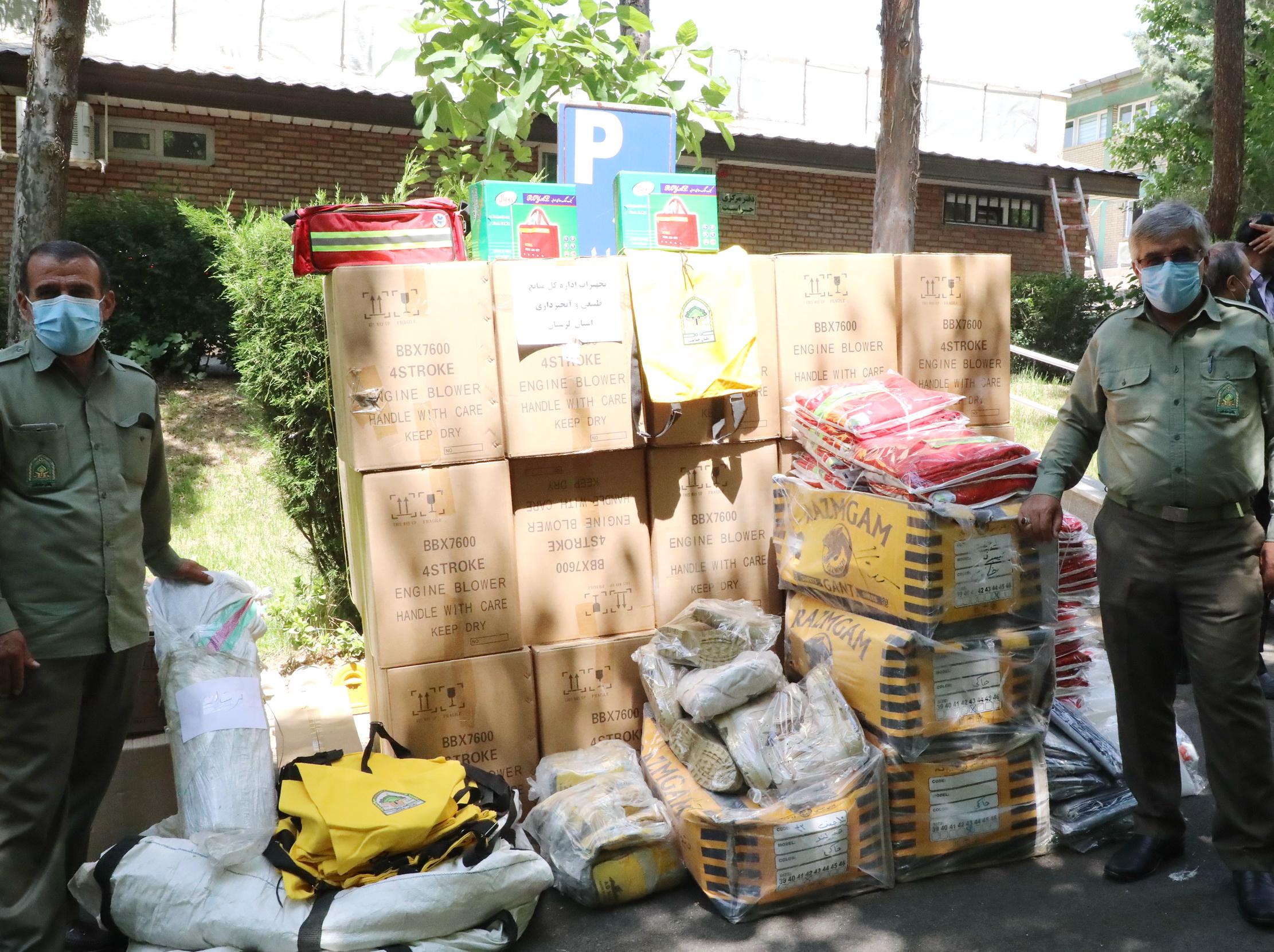 ارسال تجهیزات اطفای حریق جنگل ها به 24 استان 6