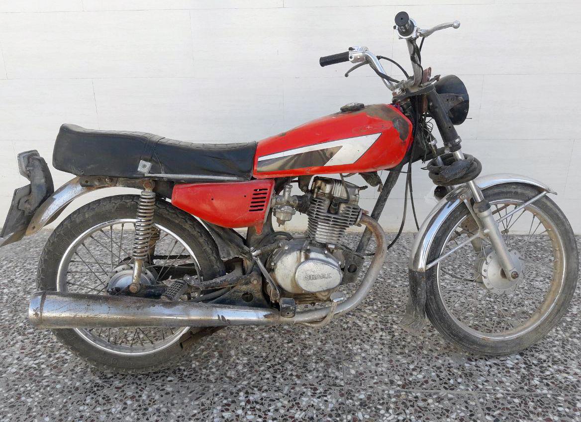 موتور قرمز دزدان