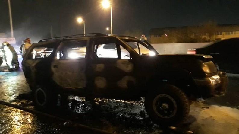 آتشسوزی مرگبار دو دستگاه نیسان همراه با ۴ زخمی