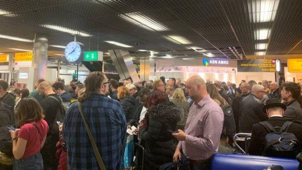زنگ خطر هواپیماربایی در فرودگاه آمستردام سهوا به صدا درآمد