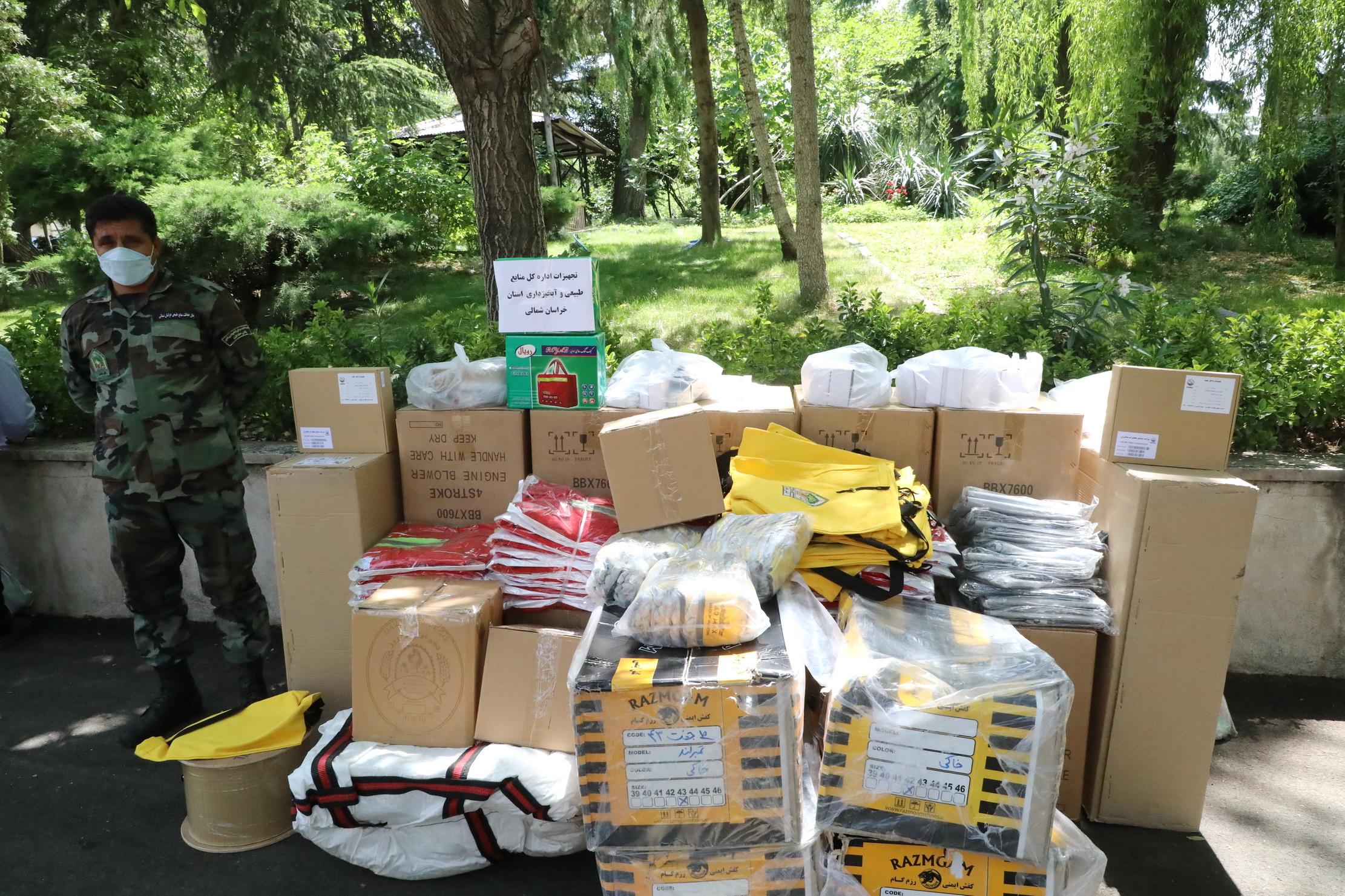 ارسال تجهیزات اطفای حریق جنگل ها به 24 استان 8
