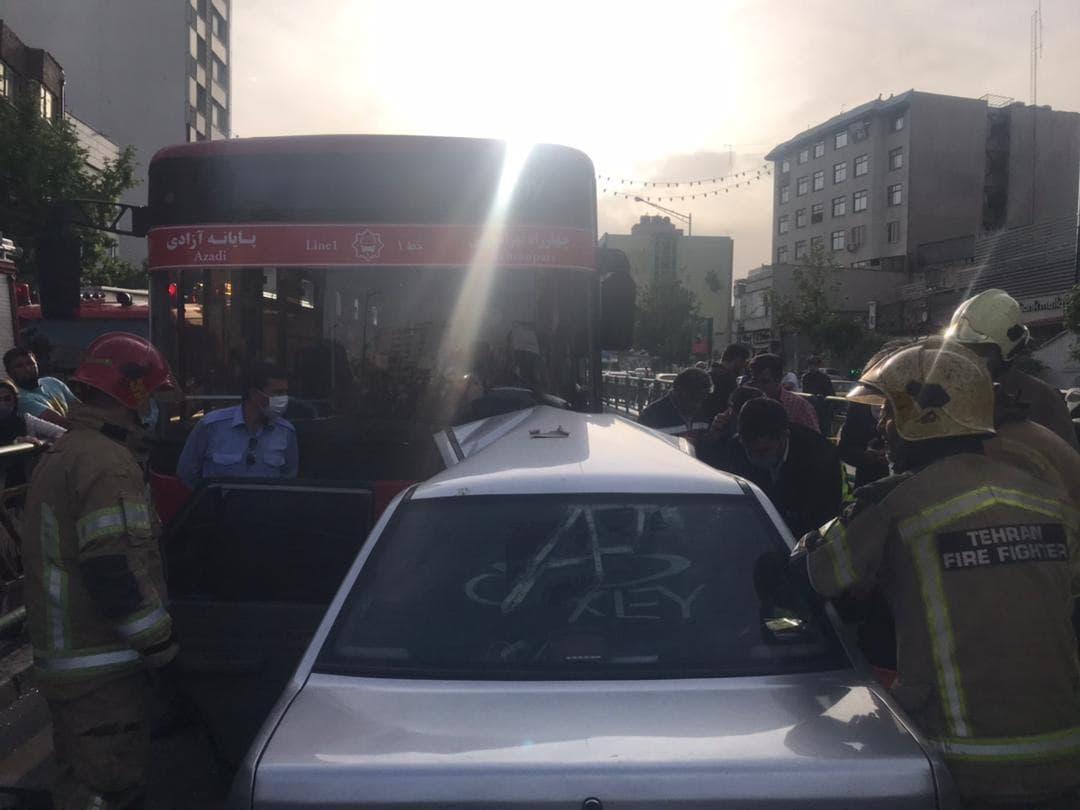 تصادف پراید با اتوبوس بی آر تی