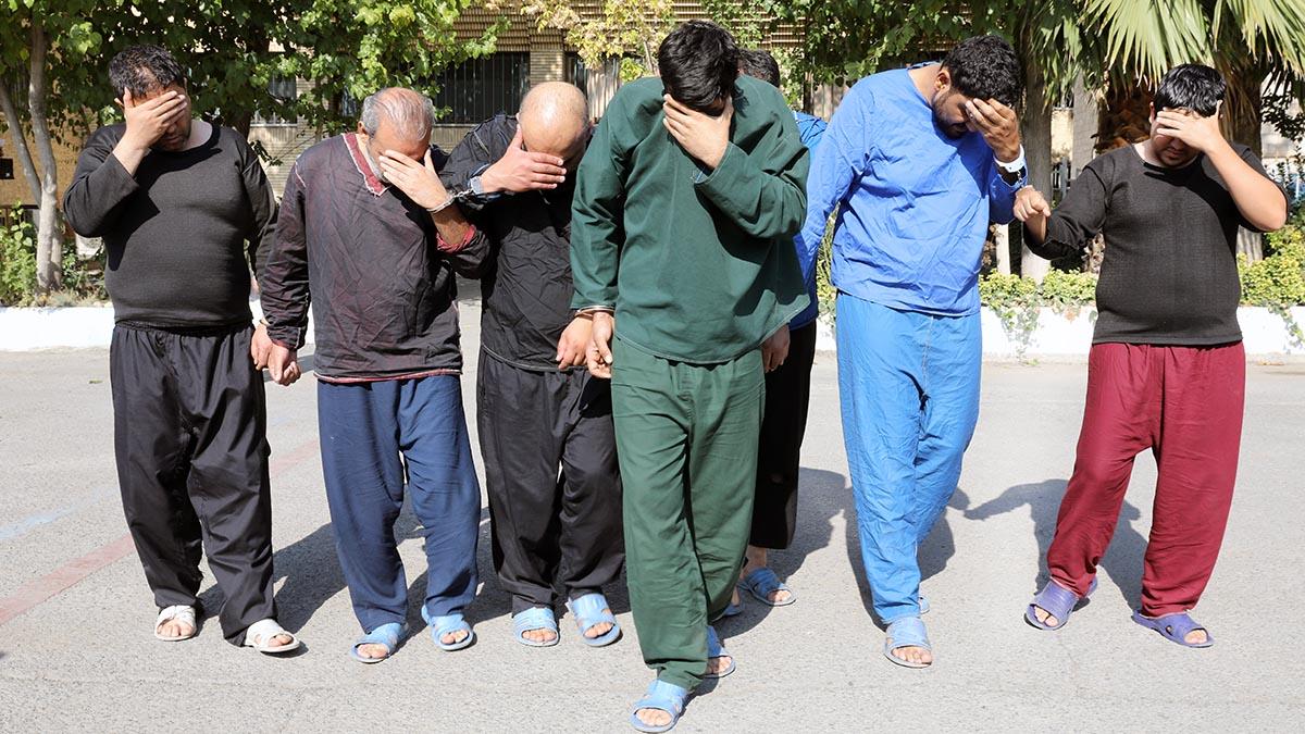 فیوج پلیس قلابی کف زنی