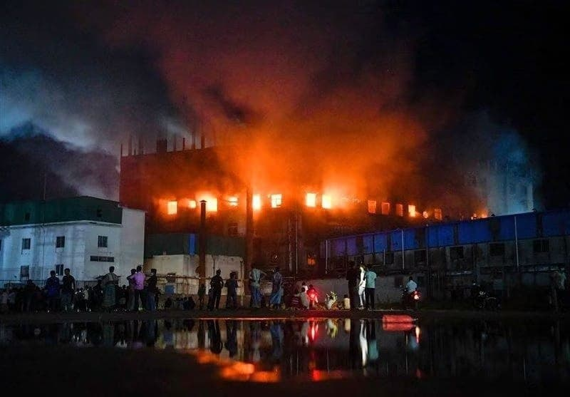 آتش سوزی کارخانه (1)