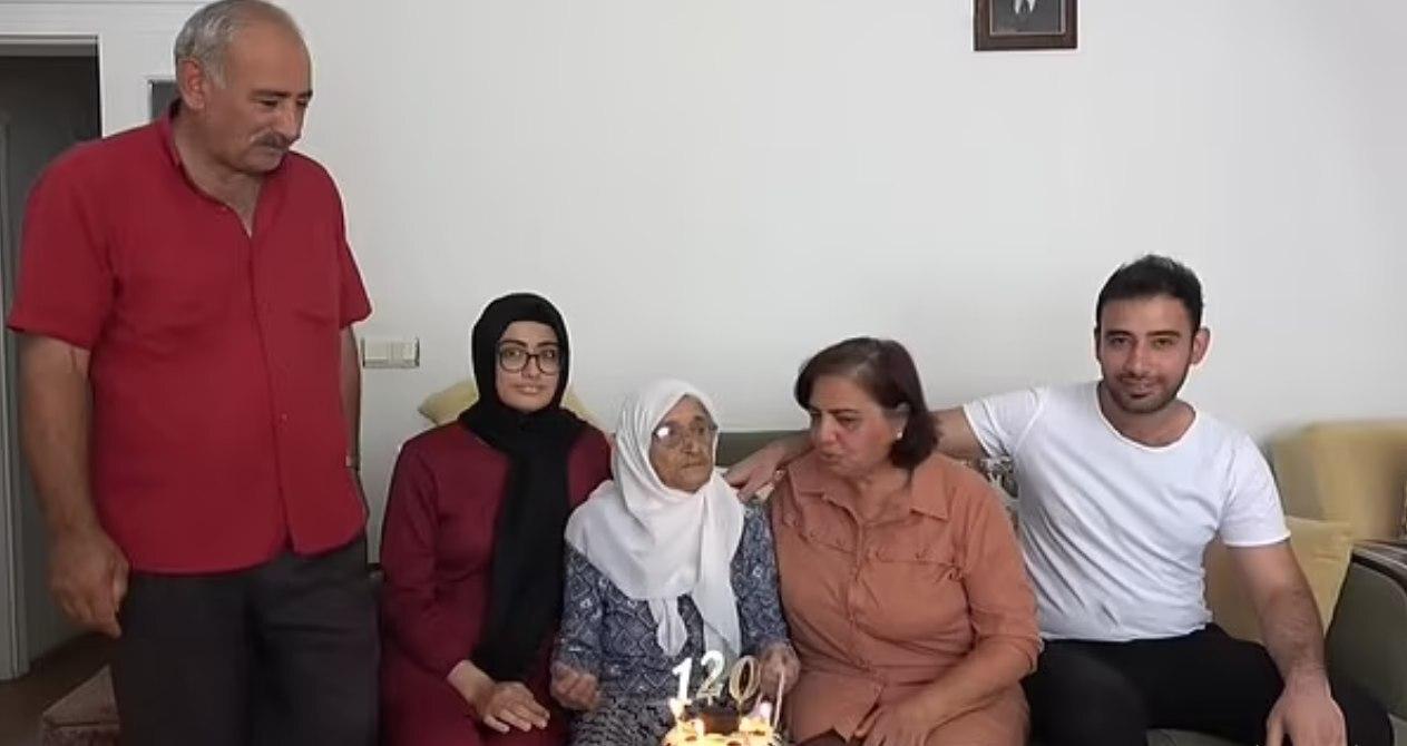 مسن ترین پیرزن