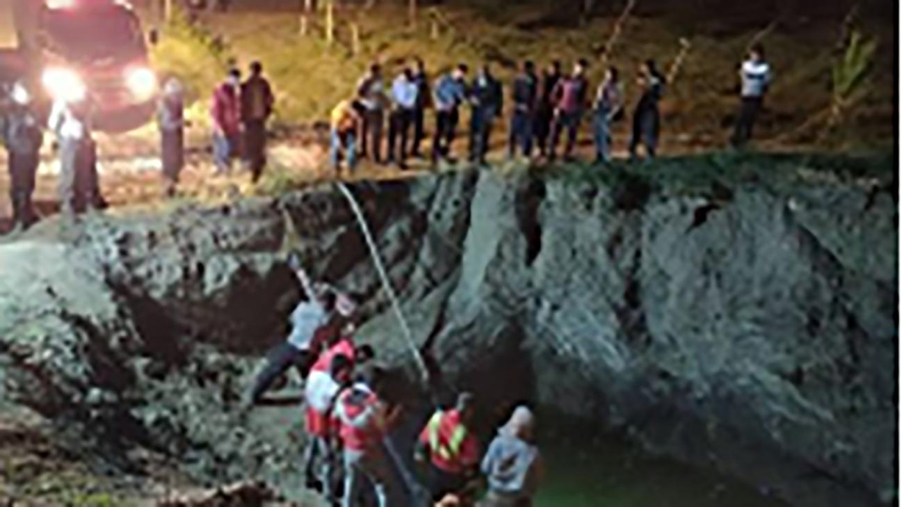 سقوط در گودالی لجنی ۶متری، جان نوجوان تویسرکانی را گرفت