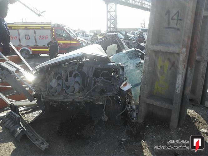 بی احتیاطی راننده ی پژو حادثه آفرید