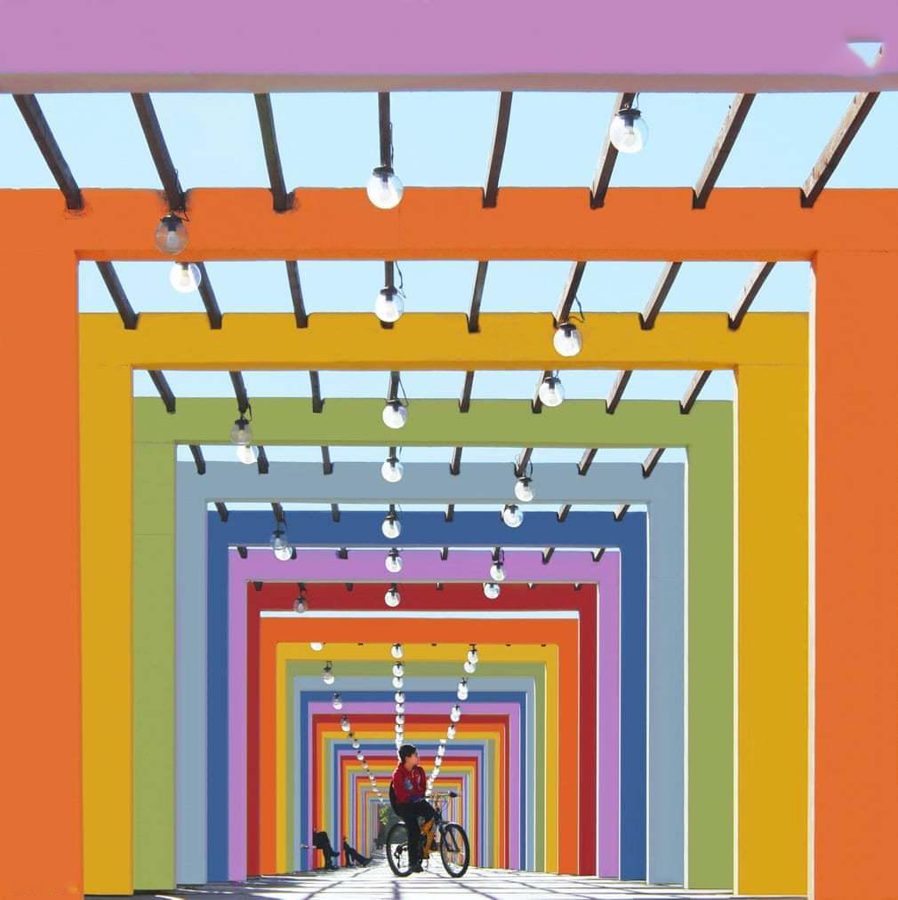 ساختمان رنگی 1