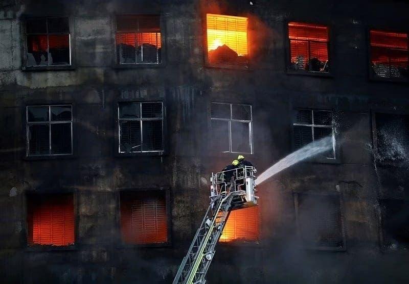 آتش سوزی کارخانه (2)