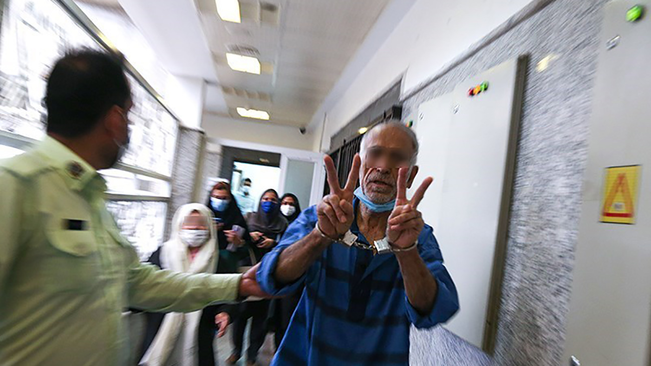 پدر و مادر بابک خرمدین در داسرای جنایی تهران