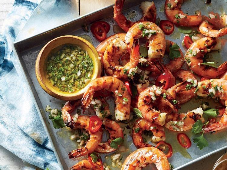غذای دریایی با گوجه گیلاسی
