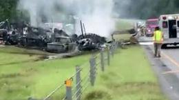 10 کشته در تصادف خودروها در آلاباما + فیلم