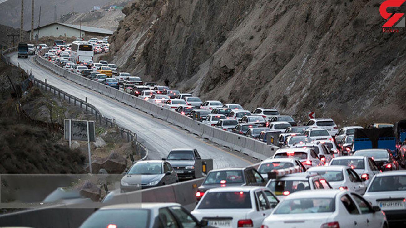 حرکت خودروها در جاده چالوس به کندی انجام میشود
