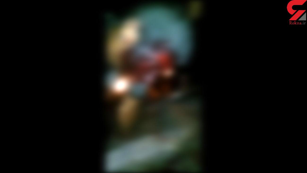 پرت شدن مرد جوان روی میلگرد های تیز در انفجار یاسوج+ صحنه تکاندهنده