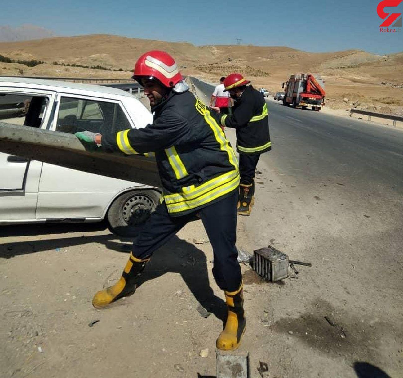 برخورد پراید با گاردریل حادثه آفرید/ در کمربندی شرقی کرمانشاه رخ داد