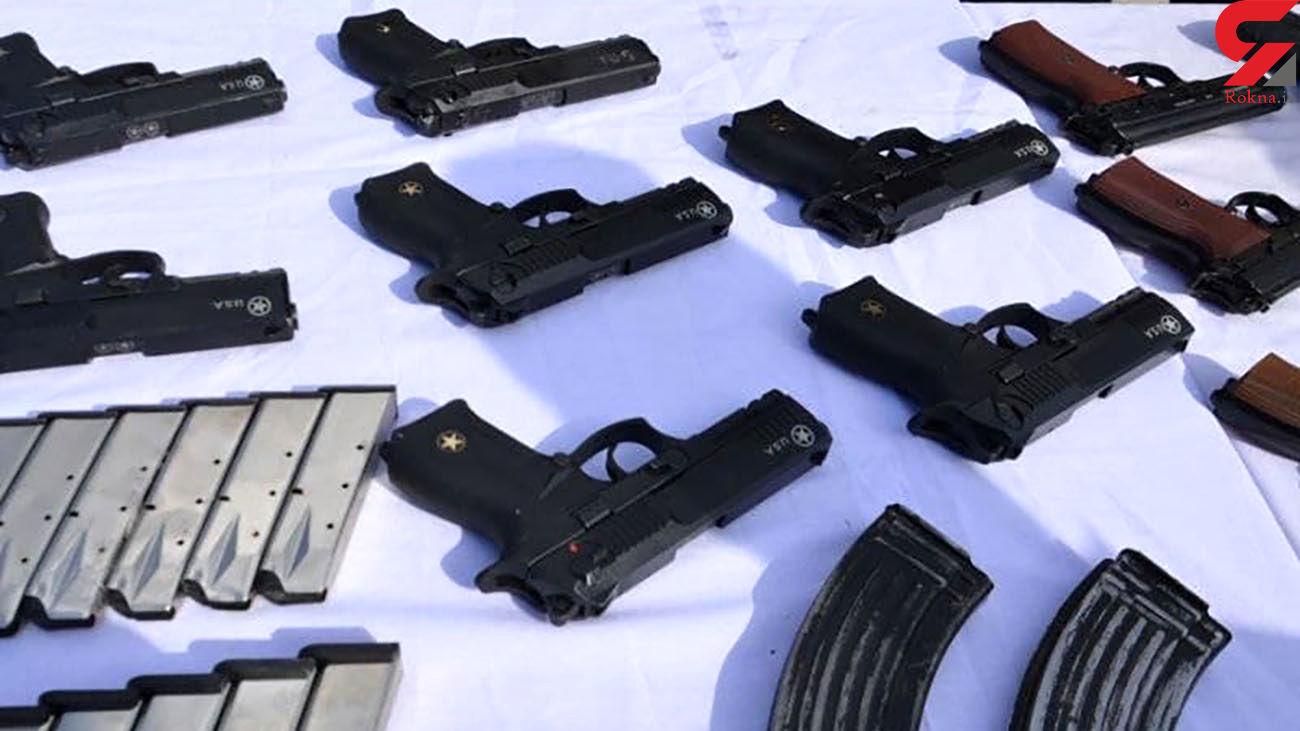 انهدام باند قاچاقچیان تجهیزات نظامی در کرمانشاه + عکس