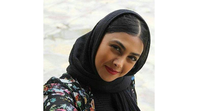 سلفی آزاده صمدی در اولین فیلم سلفی تاریخ سینمای ایران +عکس