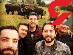 عکس سلفی بهرام رادان با گاوها در اهواز جنجال عجیبی به پا کرد+ عکس
