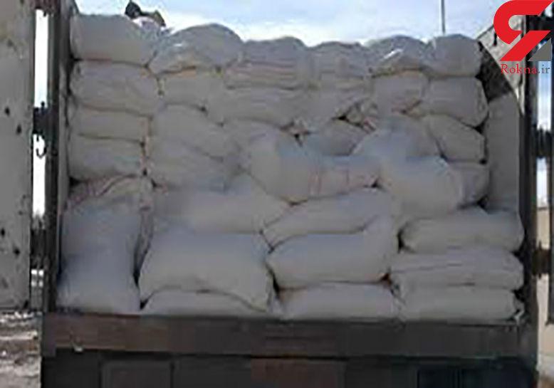 توقیف کامیون حامل آرد قاچاق در کبودراهنگ