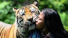 خطرناکترین بوسه جهان + عکس