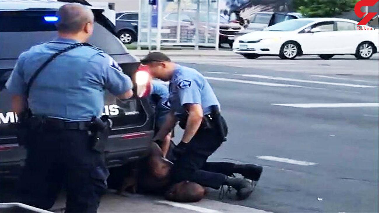 انتشار جدیدترین فیلم از لحظه بازداشت و قتل جورج فلوید از دوربین همراه پلیس + فیلم