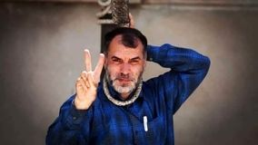 مسعود ده نمکی خود را دار زد ! / واکنش عجیب نسبت به ماجرای سیلی خوردن یک سرباز ! +عکس