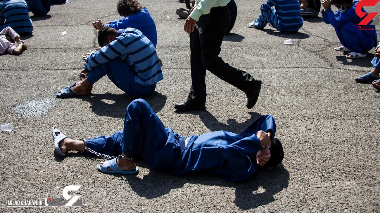 بازداشت 3 قاچاقچی در آباده / آنها سوار بر خودروی جک بودند