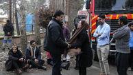 حضور غم انگیز خانواده قربانیان در محل حادثه سقوط هواپیما در کرج + عکس