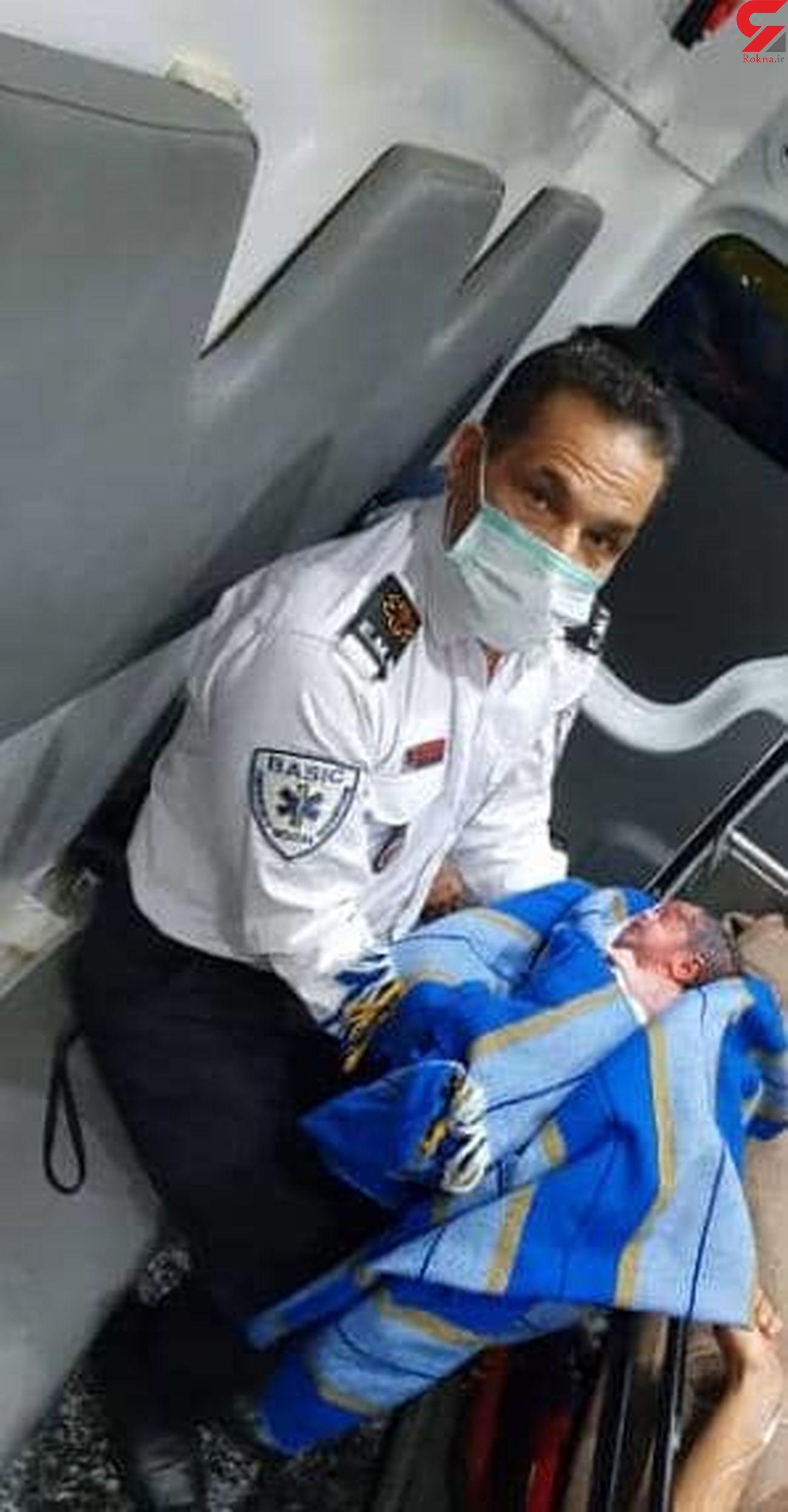 تولد نوزاد عجول در آمبولانس/به همراه عکس