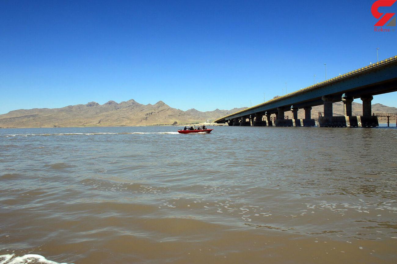 آب دریاچه ارومیه همچنان بیش از ۴ میلیارد مترمکعب
