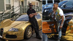 هنرپیشه مشهور با اتومبیلی از روکش طلا +عکس های جالب