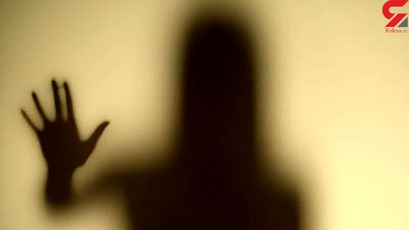 حمله مردان پلید به خانه زن تنها در شهرک غرب / دهانش را بستند!