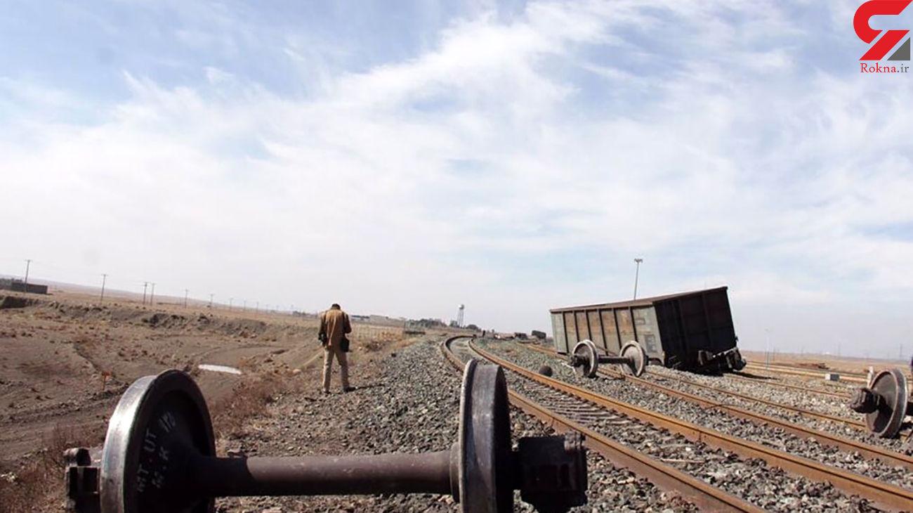 خروج قطار از ریل، راه آهن سراسری جنوب کشور را مسدود کرد