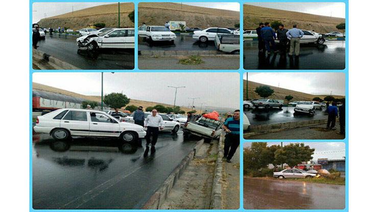 تصادف زنجیره ای 37 خودرو در محور گرمسار- تهران + عکس