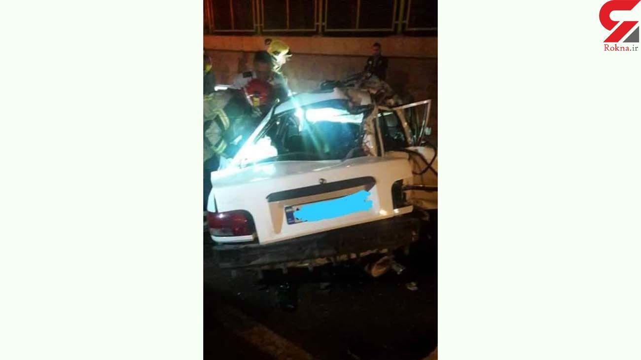 تصادف مرگبار پراید با تیر چراغ برق در بلوار غدیر + عکس