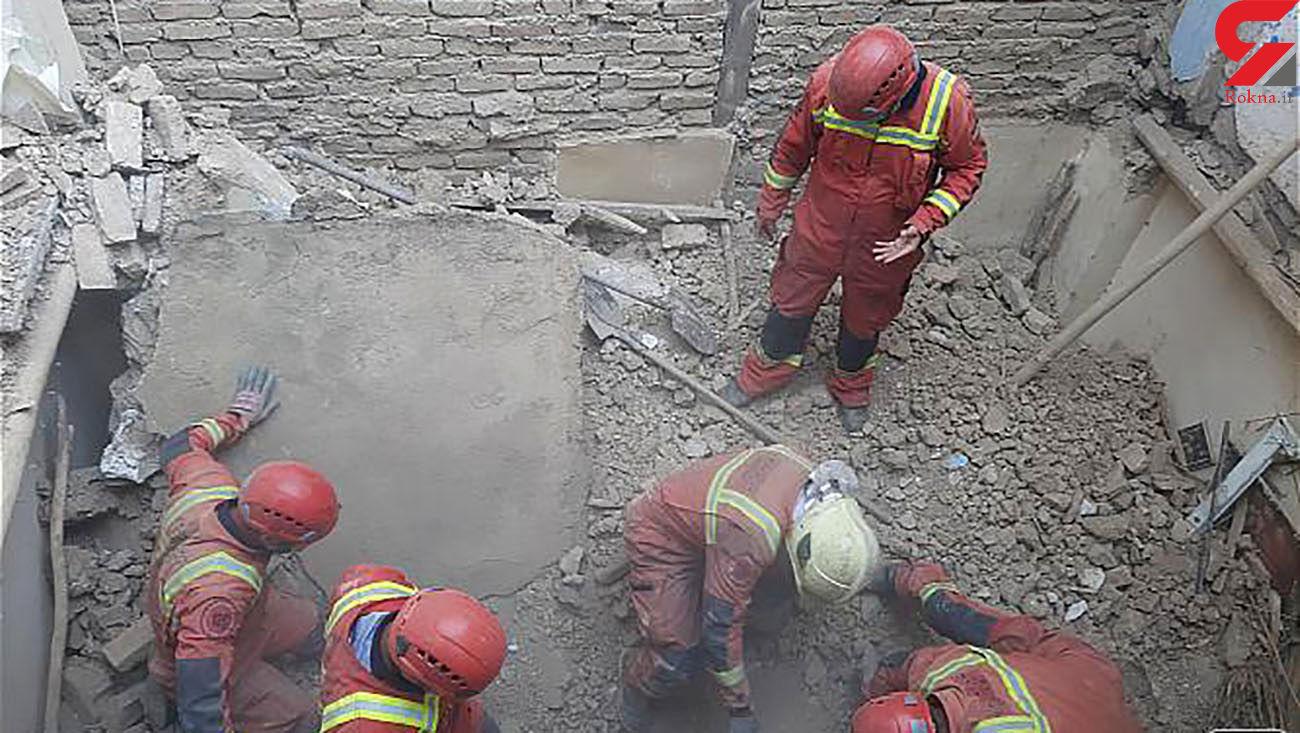 فیلم لحظه نجات معجزه آسای کودک خردسال از زیر آوار