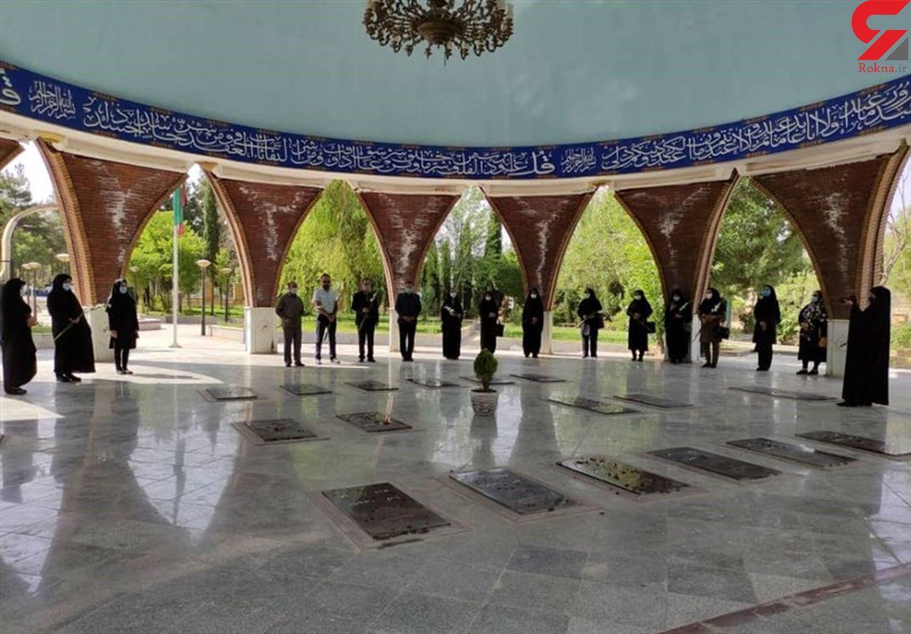 مراسم تجدید میثاق اعضای بسیج رسانه ایلام با آرمانهای امام راحل (ره)