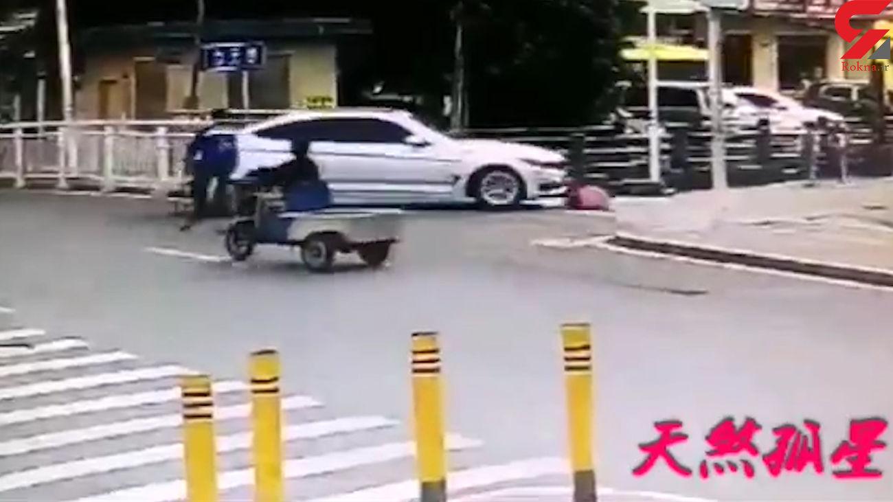 اینجا تصادف کردی باید بمیری!/لحظه مرگ تلخ یک کودک + فیلم